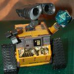 Wall-E, contemplating a d20